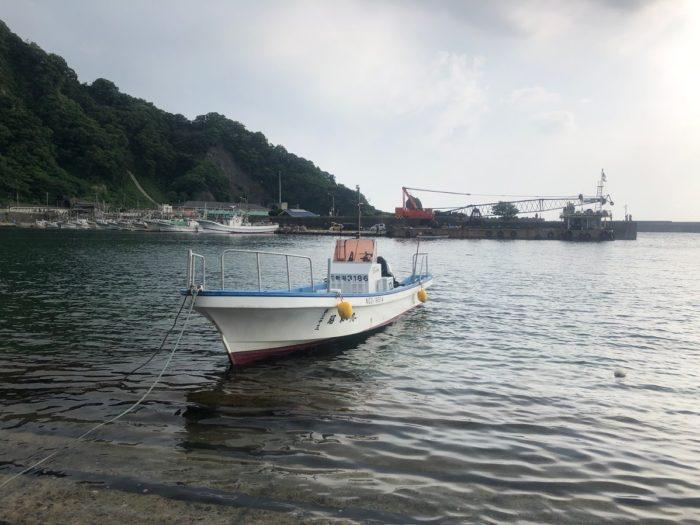 新潟寝屋漁港のジギング小型船昭和丸