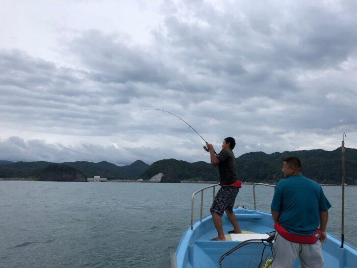 寝屋漁港近海漁礁で真鯛釣り
