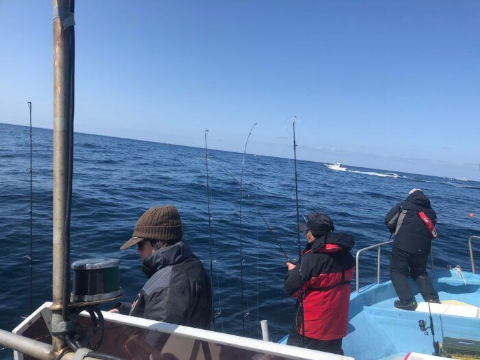 新潟寝屋漁港釣り船昭和丸乗船